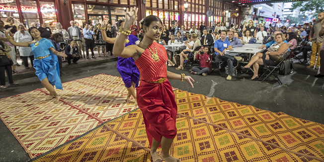 A dancer in Reading Terminal Market